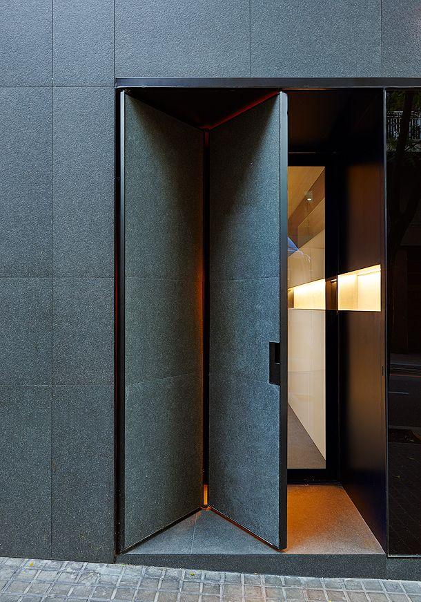 Peluqueria toro barcelona francesc rife 3 interior - Puertas madera barcelona ...