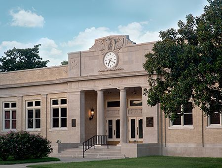 Restored Historic Entrance Of Bolivar County Courthouse In Rosedale Ms Belinda Stewart Architects Pa Photo By Wil Architecture School Architecture Architect