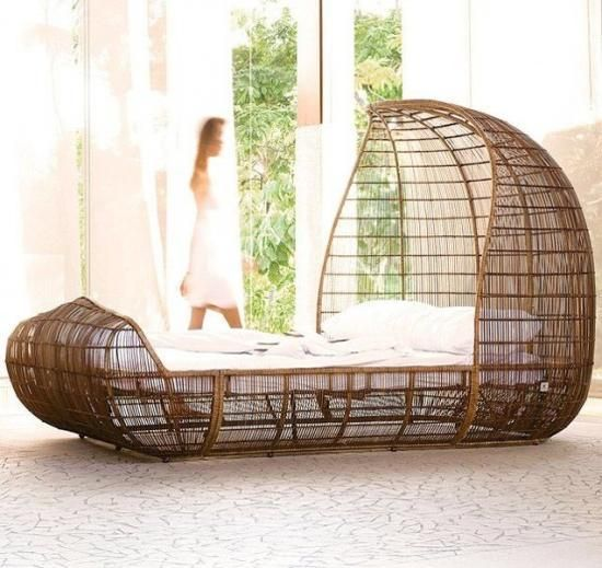 Creative designs and unusual ideas wood bed design for Unusual wooden beds