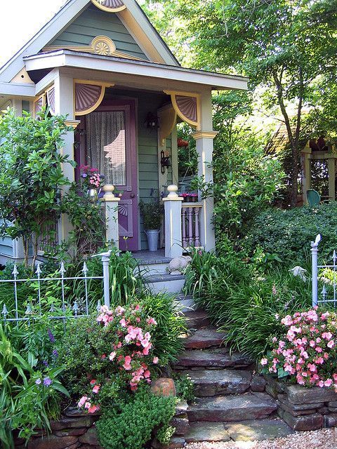 Cecile\'s Garden | Tiny houses, House and Gardens