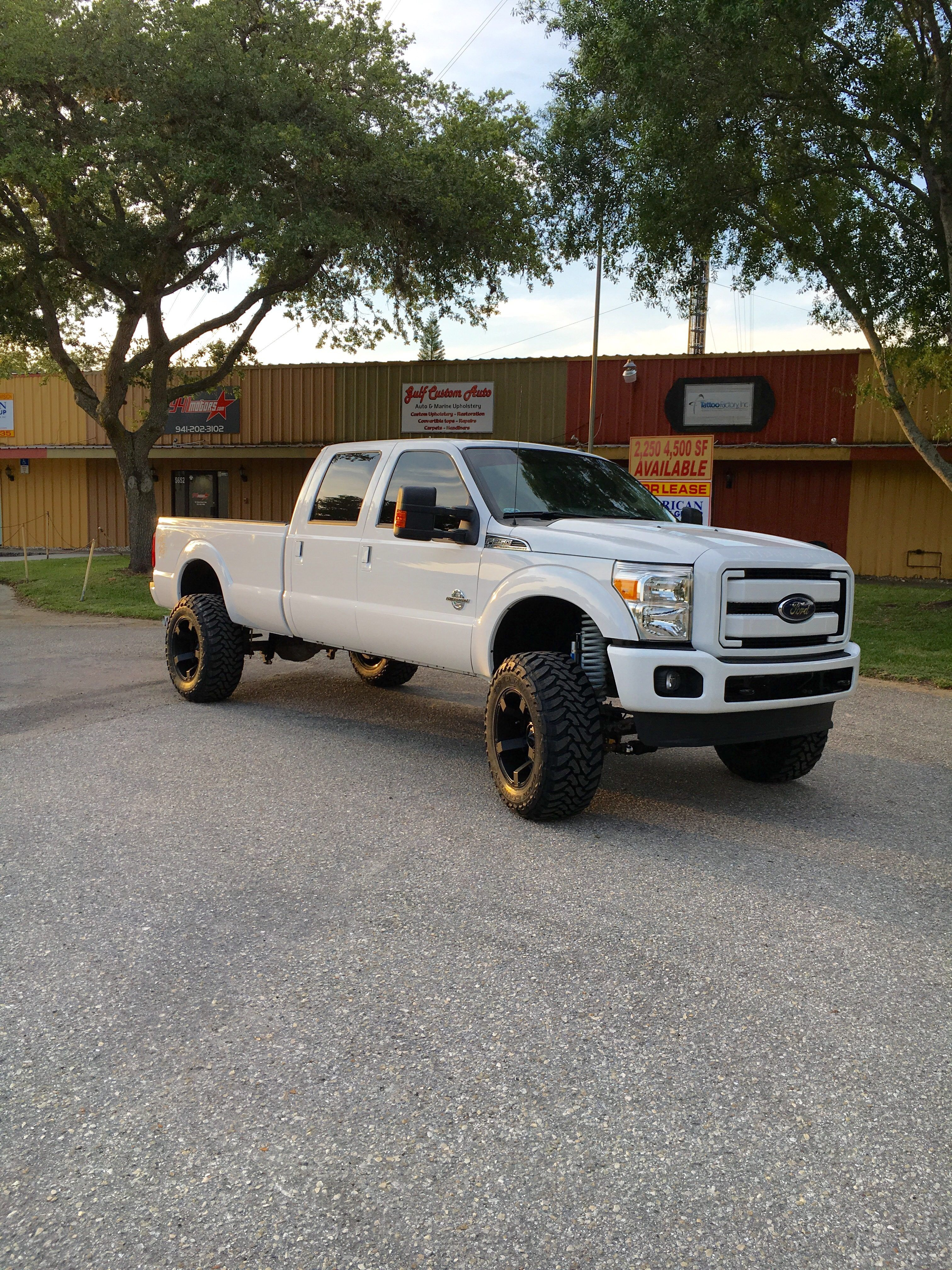 Ford F 250 6 Fabtech Lift Custom Painted Coils Bumpers And