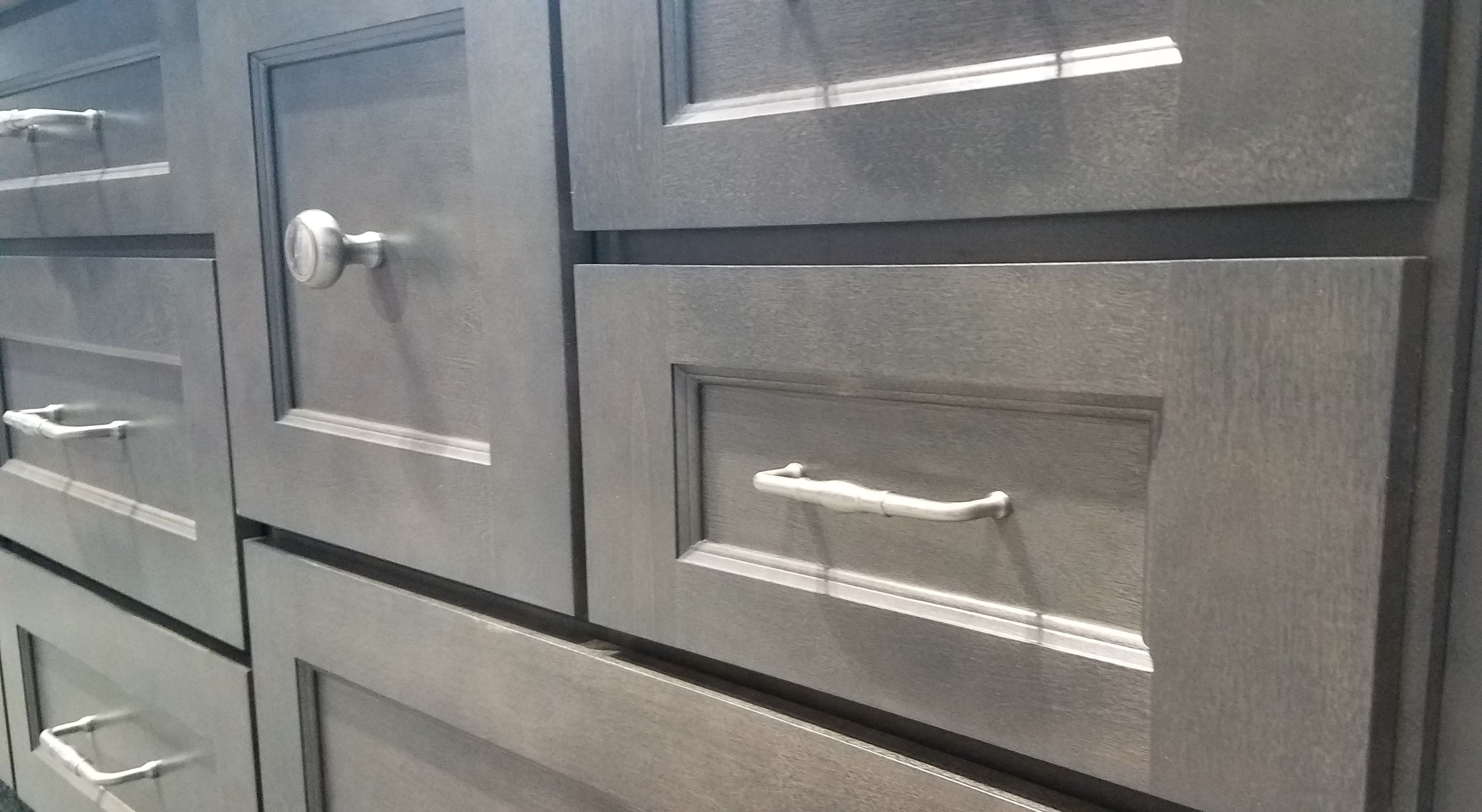 Twain Cabinets In Stonewood Are A Rich Addition To Any Home A Modified Shaker Door Is Softened By A Beautif Rta Kitchen Cabinets Cabinet Buy Kitchen Cabinets