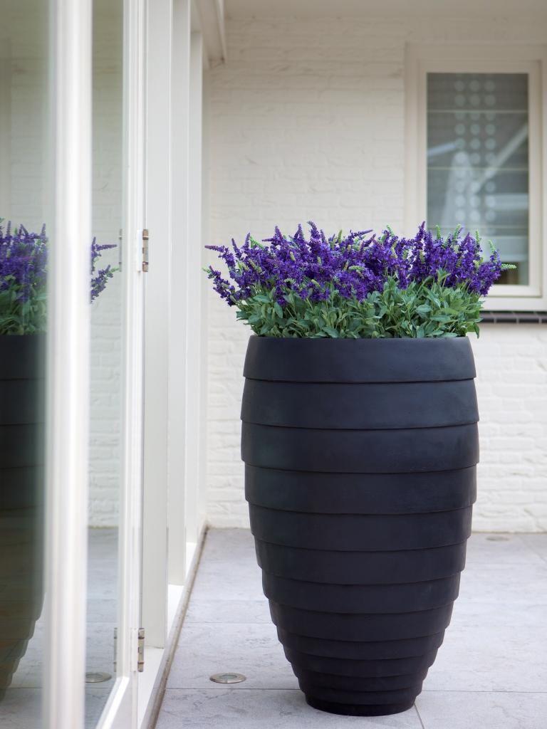 To Co Mnie Zachwyca Duze Donice Ogrodowe Garden Pottery Decorative Planters Planters