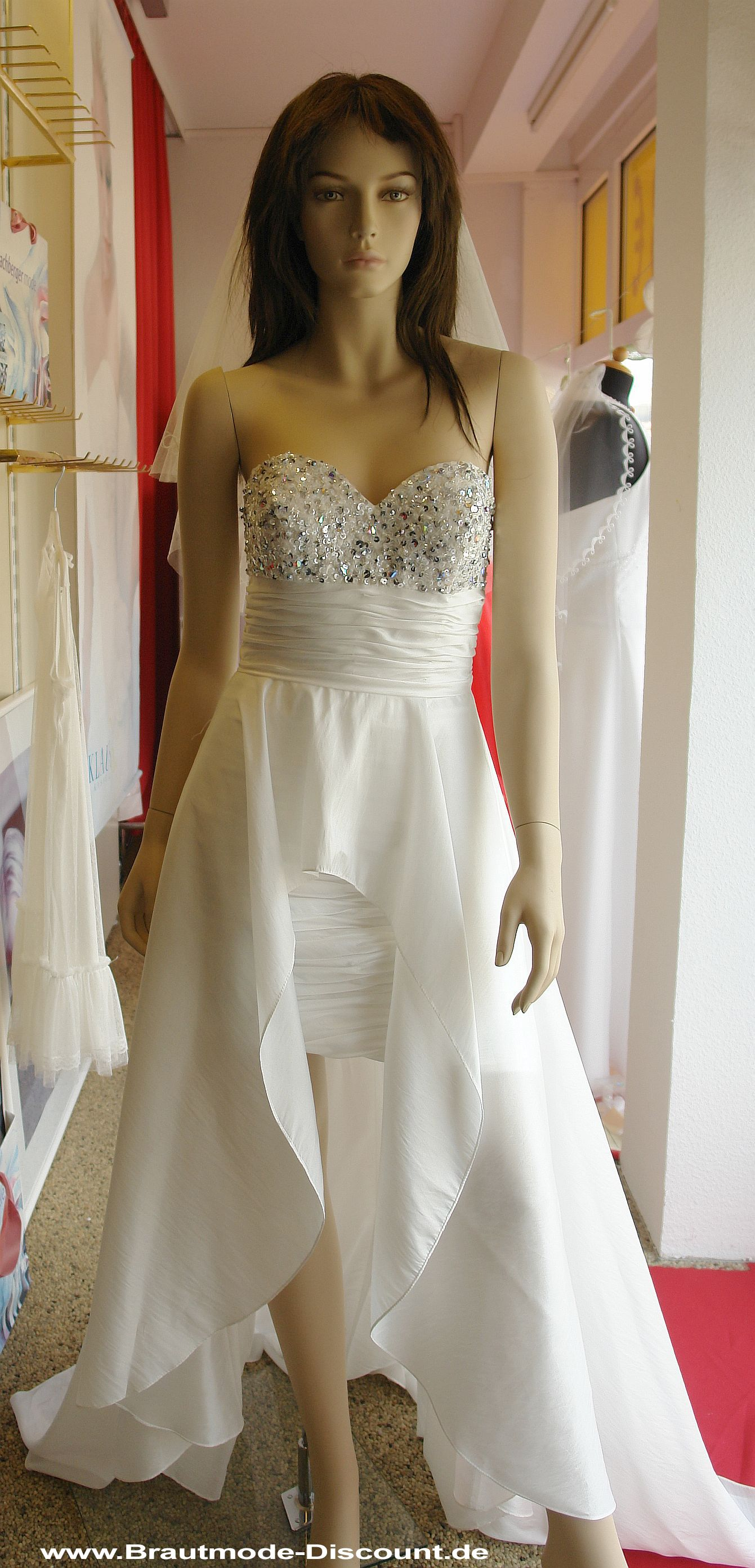 Pin by Brautmode-Discount.de Capitain Outlet Brautkleid on ...