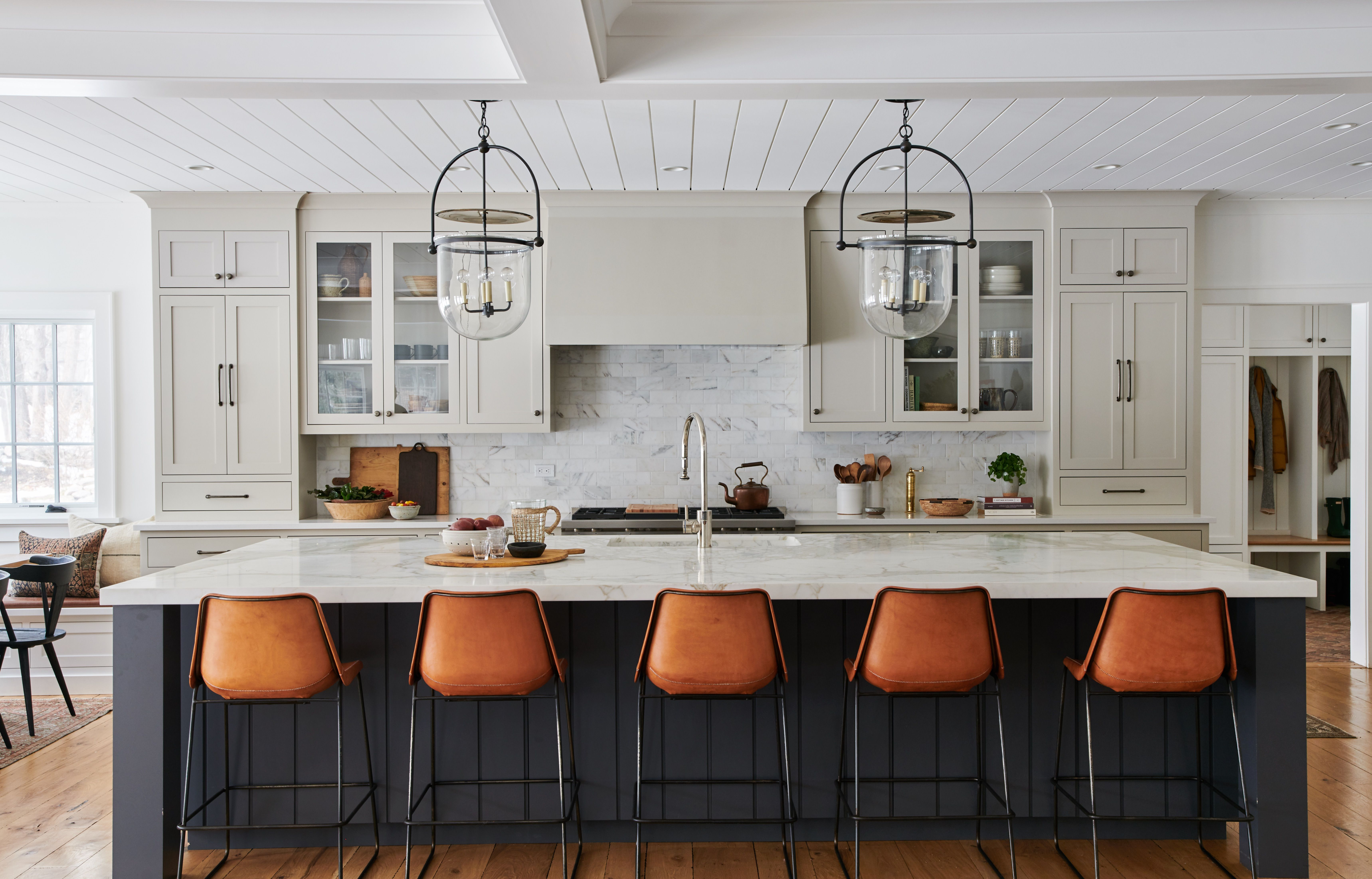Wrought Iron By Benjamin Moore Revere Pewter By Benjamin Moore Simply White By Benjamin Moore Kitchen Inspirations Kitchen Remodel Amber Interiors