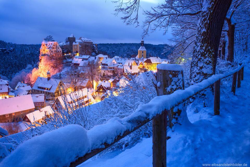 Prachtig en sfeervol in een besneeuwd Duits dorp