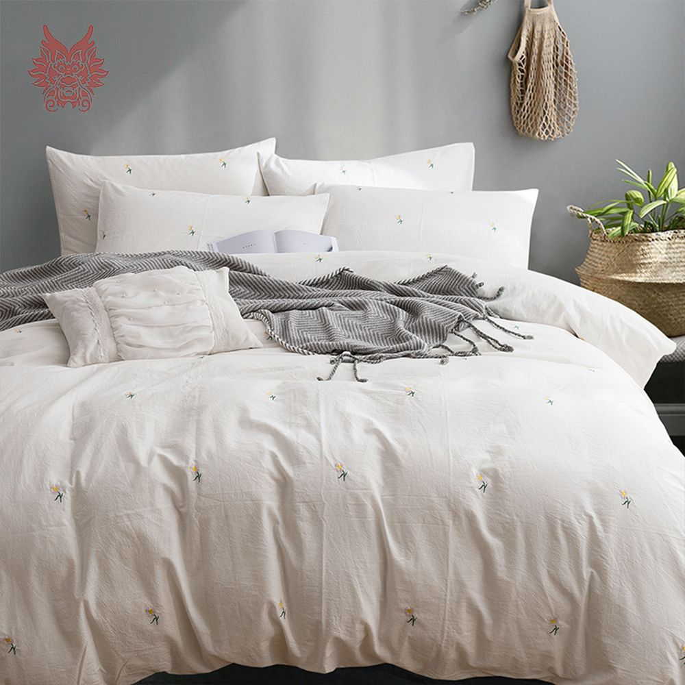 Japanese style small daisy floral embroidery bedding sets
