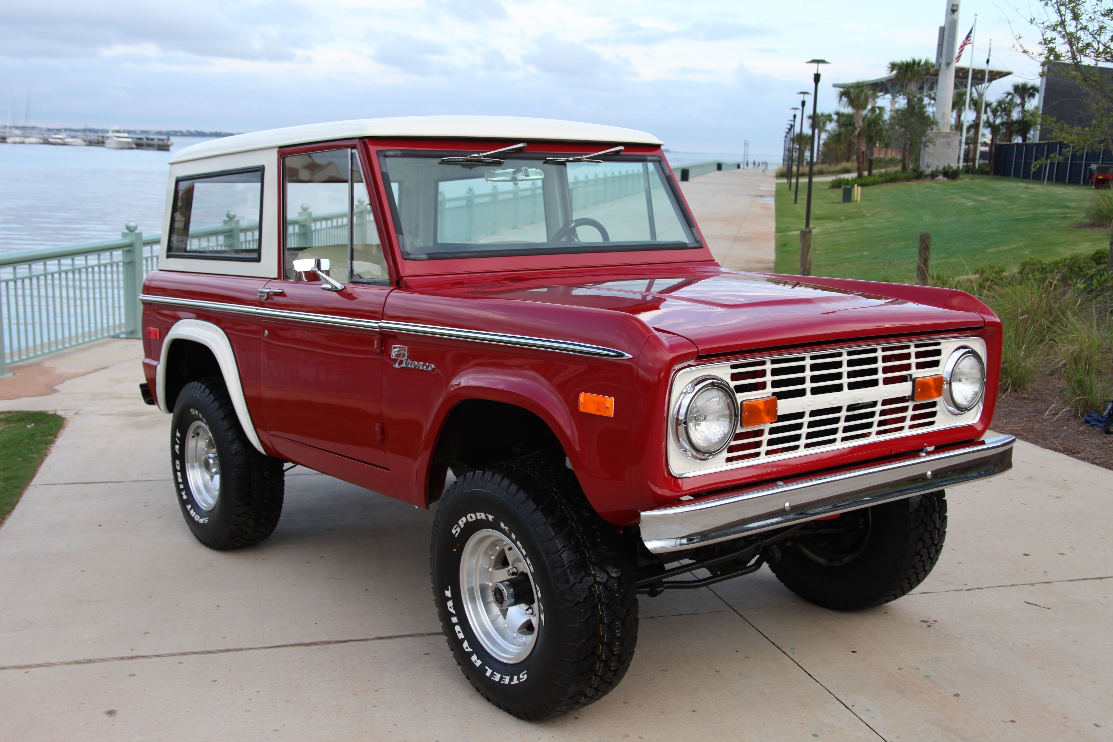 Early Ford Bronco Restored 1974 Frame Off Built 302 Velocity