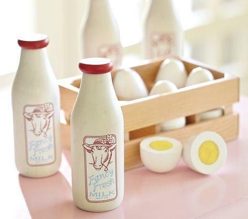 Wooden Milk & Eggs toy. Tres charming.