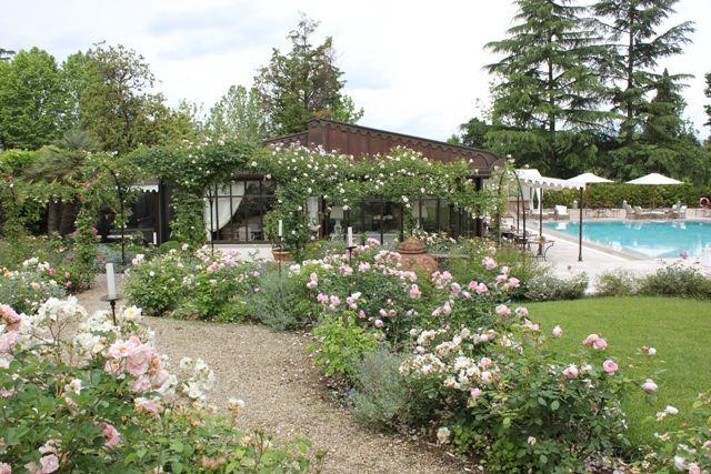 VillaCora_rose giardino