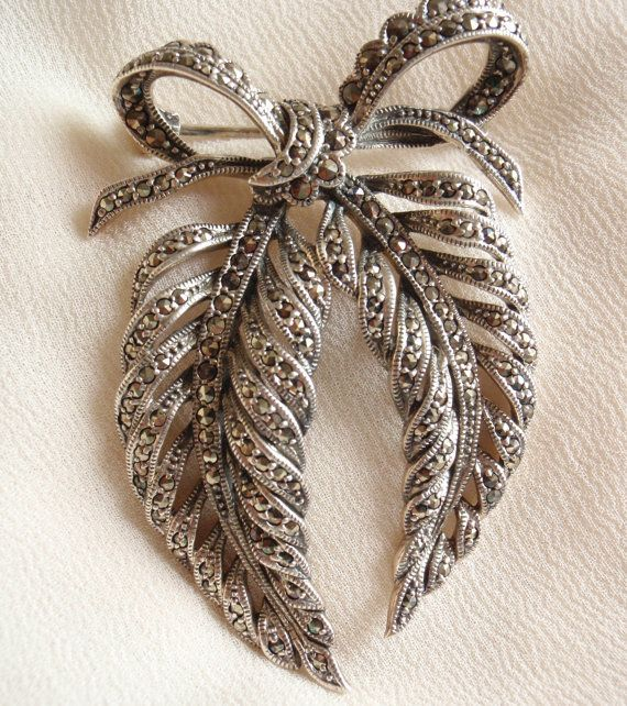 Sterling Bow Brooch Pin Silver Art Nouveau Leaves Feather Vintage 060513