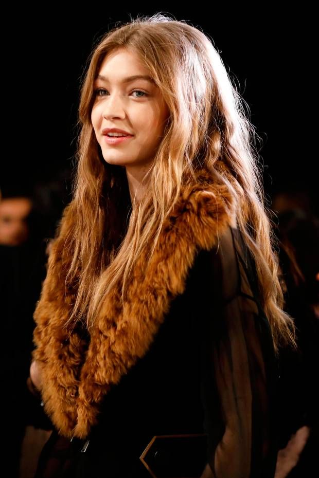 Model sisters Gigi and Bella Hadid lead supermodel squad at Fendi during Milan Fashion Week – gigi hadid