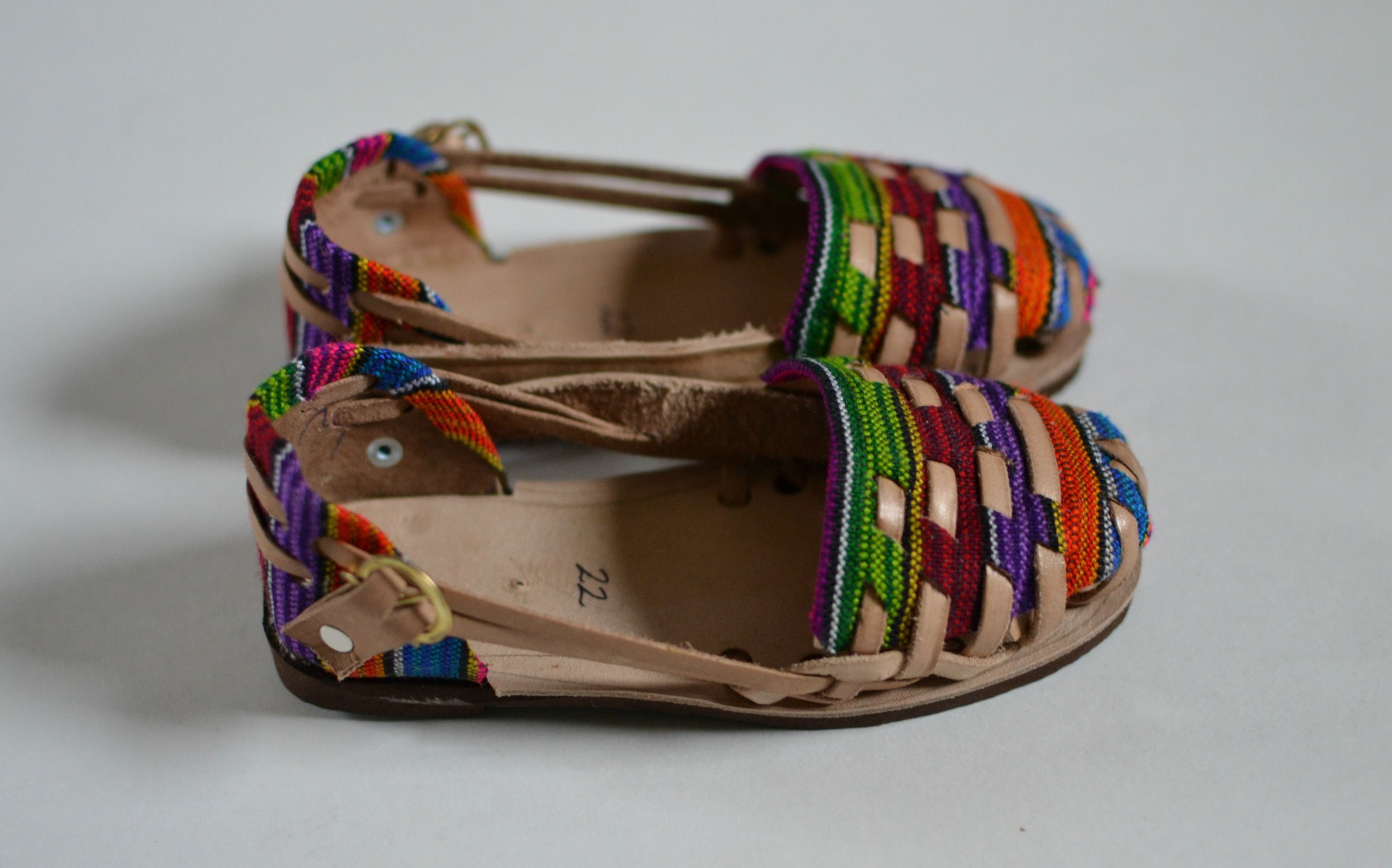 Authentic+caites+(huaraches/sandals)+handmade+by+artisans+in+Guatemala.+