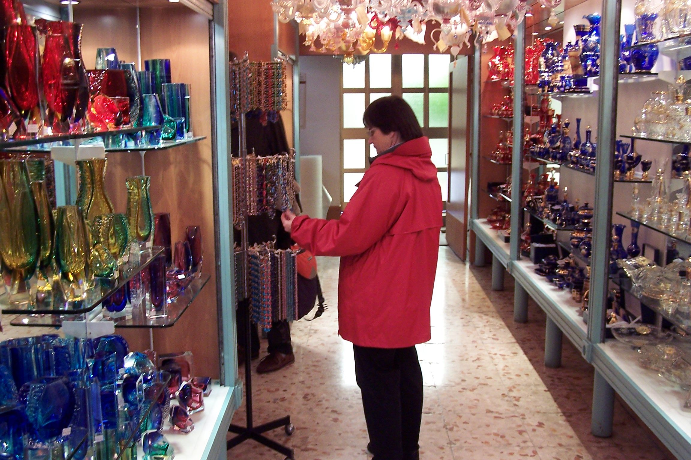 Shopping In Murano For The World Famous Glass Work That Is Produced Here Ready Made Jewelry And Beautiful Glass Beads Great Memories Oberammergau Venice Italy