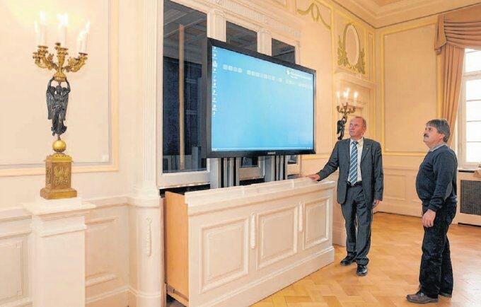 Flatlift Im Schloss Fernseher VersteckenEinrichten Und Wohnen