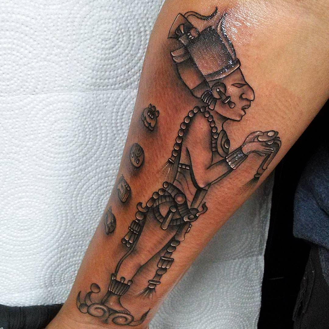 25 Tribal Unique Aztec Tattoo Designs - Ideas & Meanings Check more at http://tattoo-journal.com/25-unique-aztec-tattoo-designs/