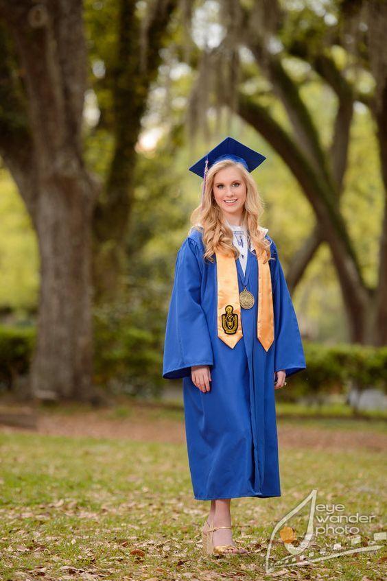 Beautiful Senior girl on her graduation day   High school