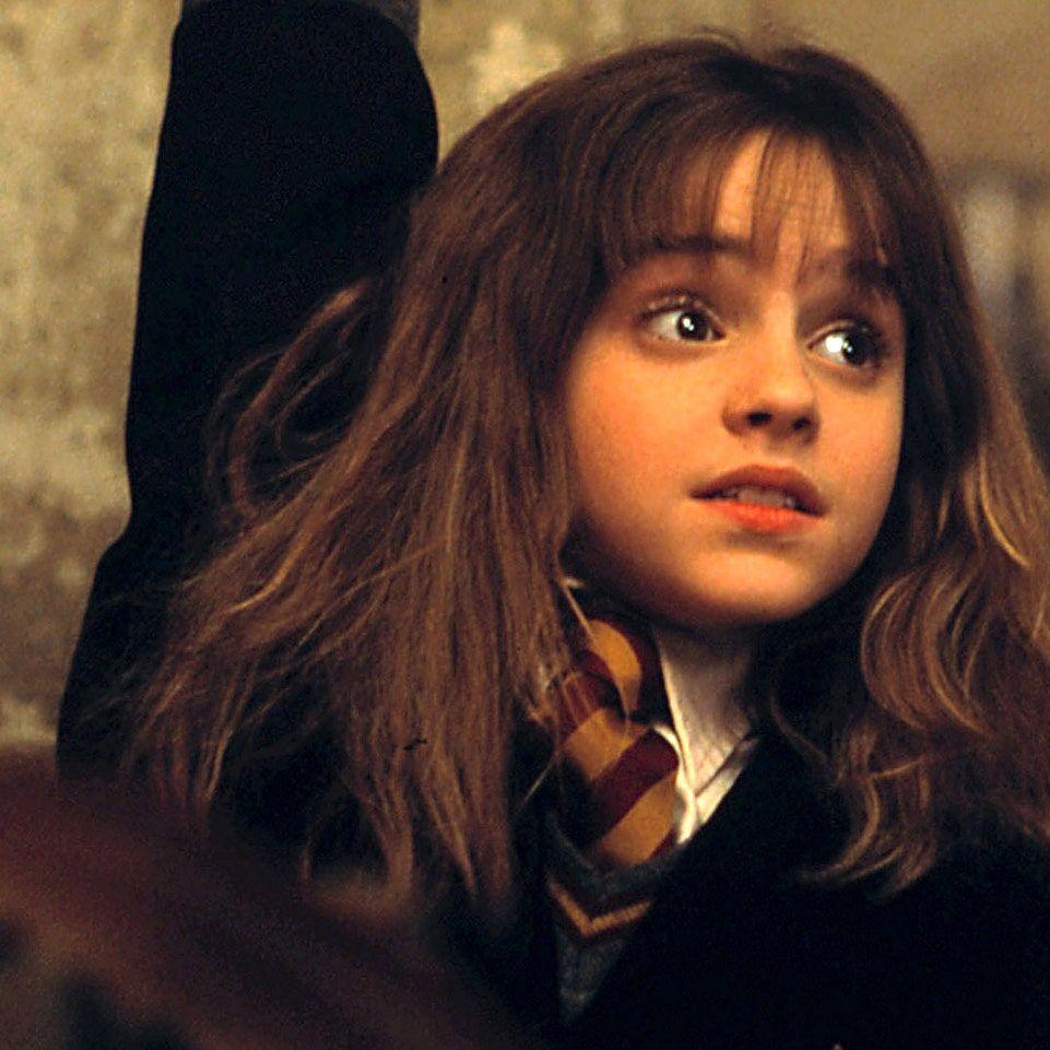 Https Media Vanityfair Com Photos 56461980eccc21966e93a173 1 1 W 961 H 961 C Limit T Emma Watson Harry Potter And The Sorcerers Stone Jpg Icin Google Gorsel S