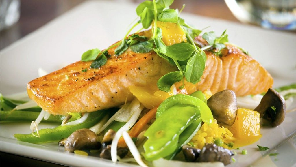 Enjoy Salmon on this Healthy Meal Plan for Weight Loss
