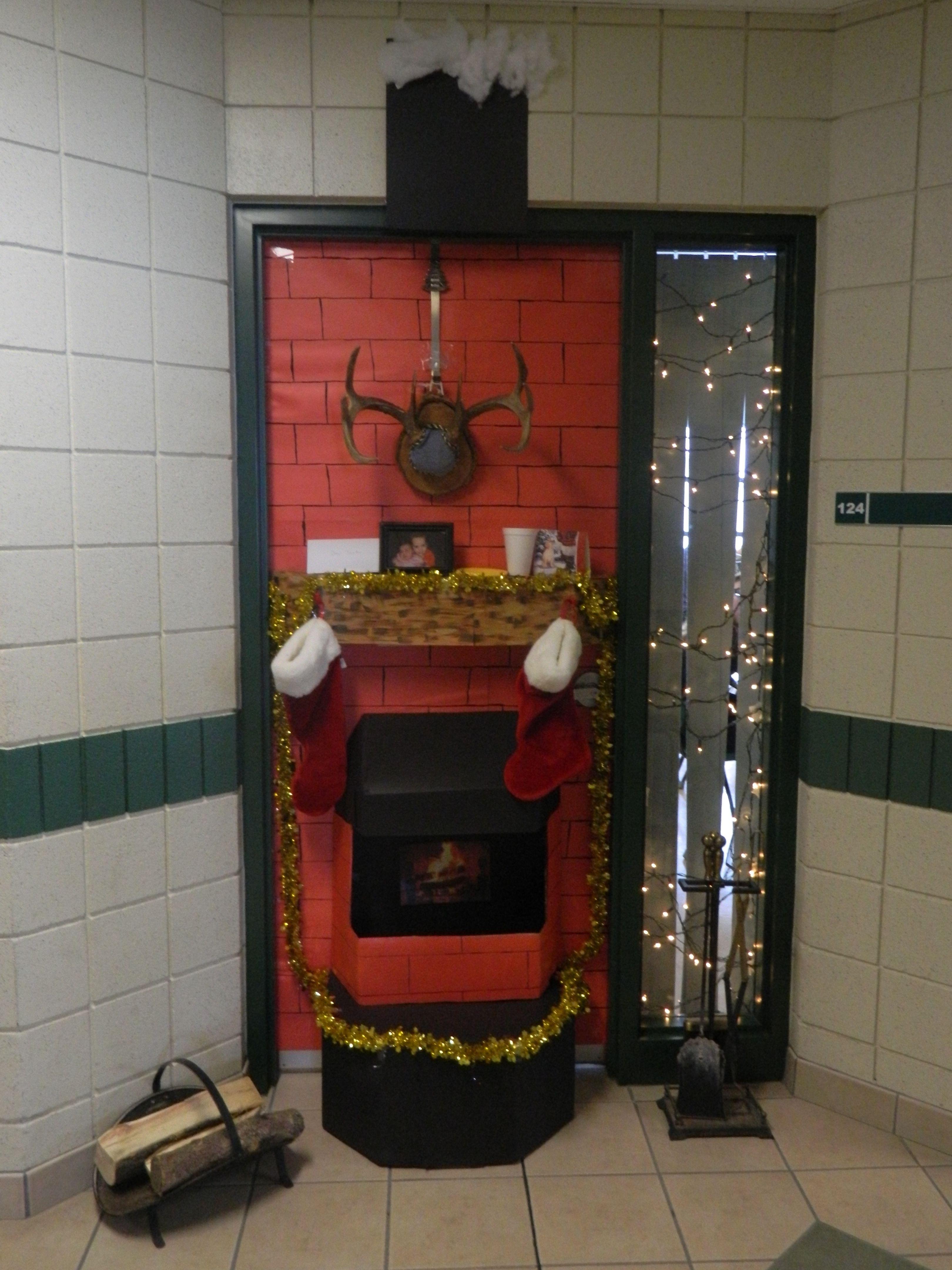 Christmas door decorating contest fireplace - Shhs Christmas Door Contest Mr Chisholm S Grade 10 Math