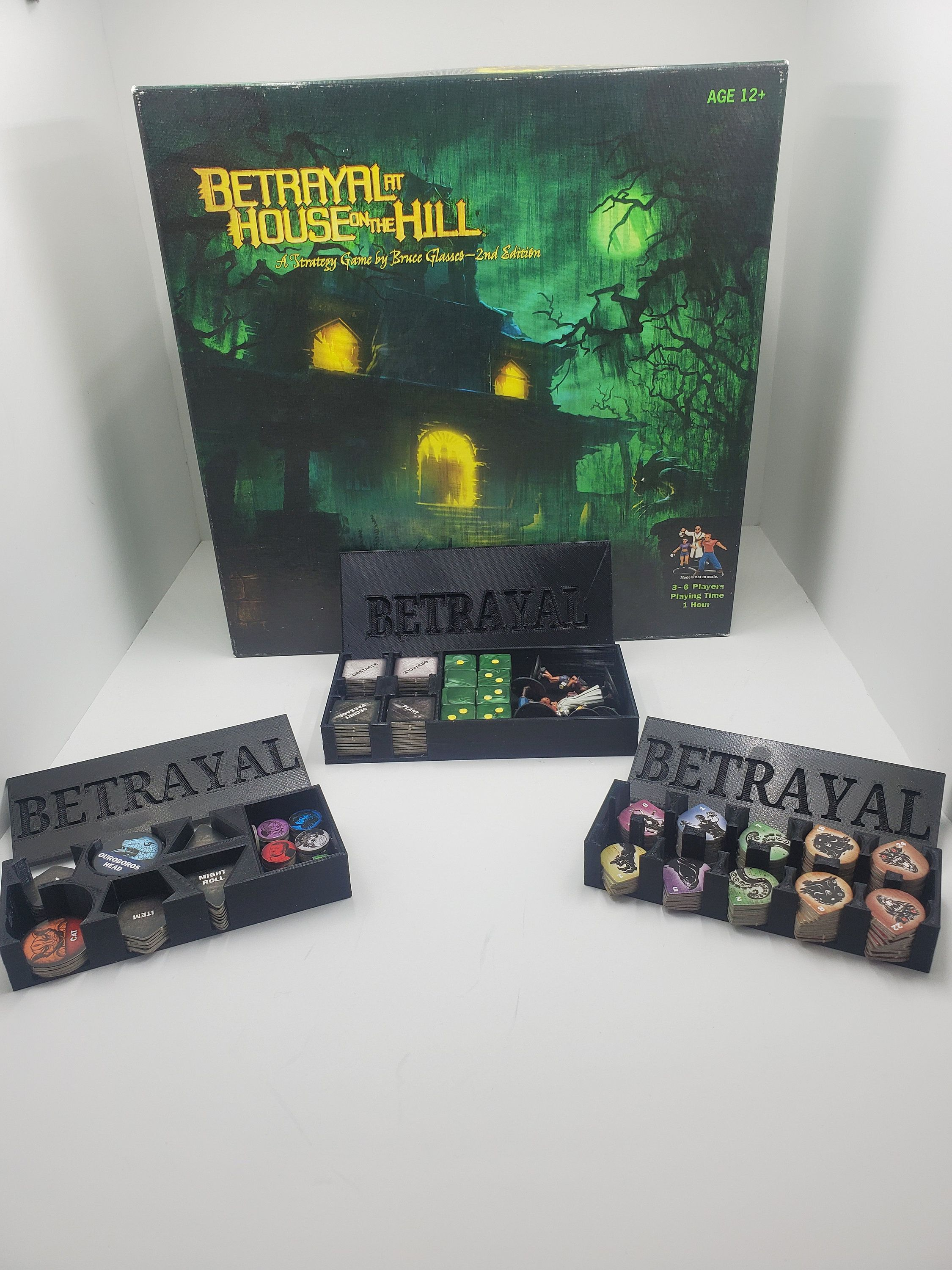 Betrayal at the House on the Hill game organizersBase Game