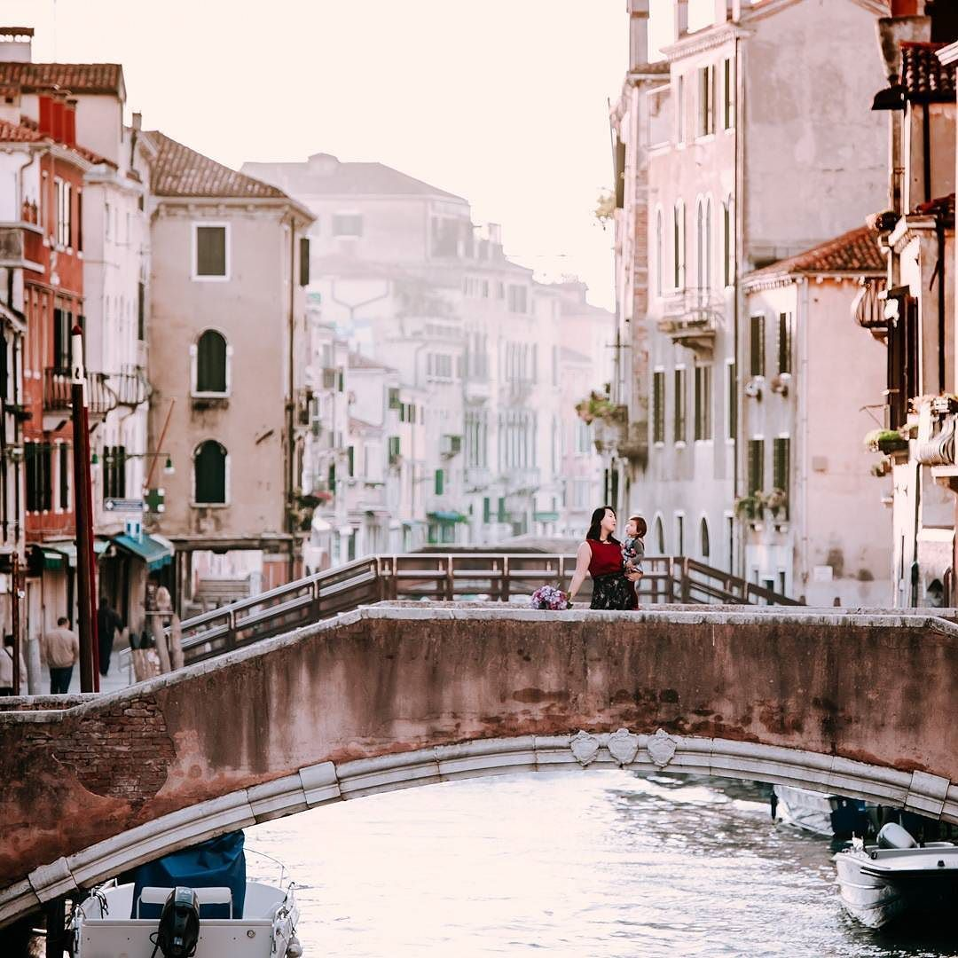 Canal Place Apartments: The Canal Outside Our Venice Apartment Is Amazing At Both
