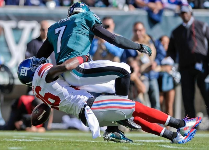 New York Giants strong safety Antrel Rolle (26) sacks