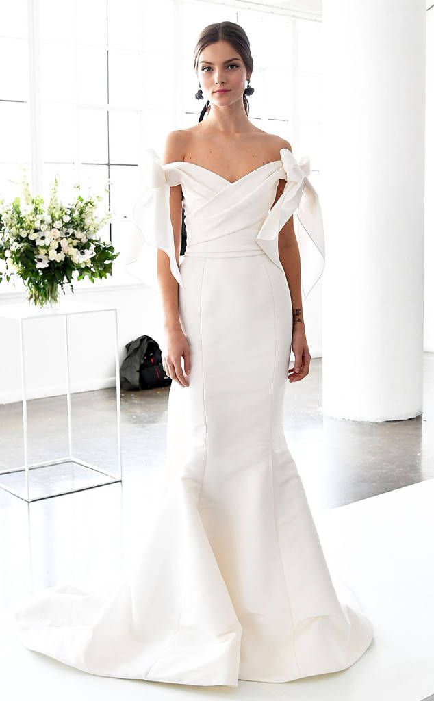 wedding dress fashion show 2018