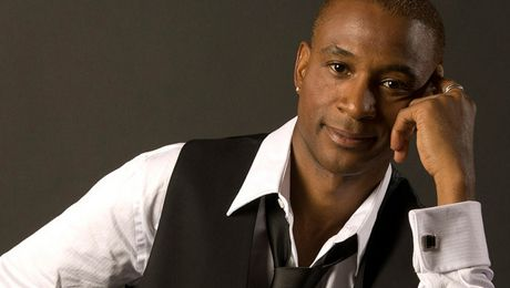 Actor-Comedian Tommy Davidson @ Tommy T's Comedy and Steakhouse Pleasanton (Pleasanton, CA)