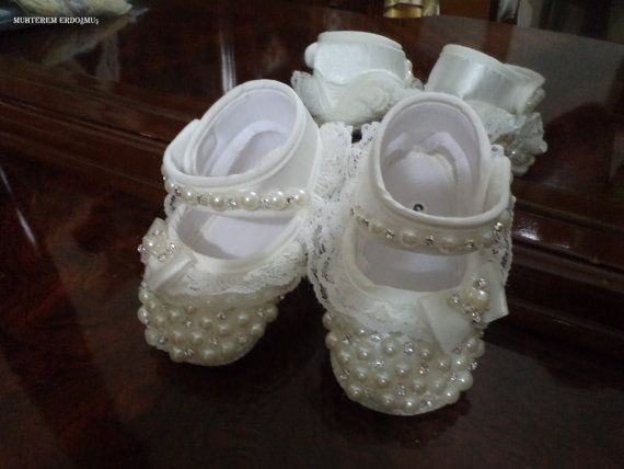 princess crib shoes/crystal stones and pearls door elmasmuhterem