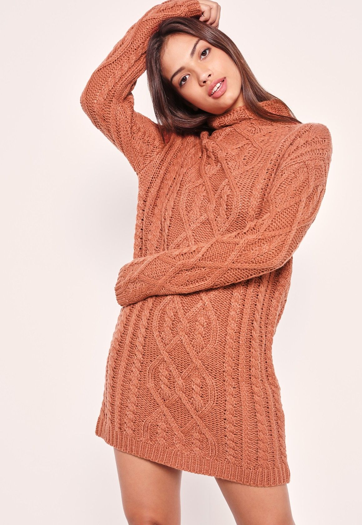 Holla at new season and tell it we're going oversized! Get your knit fix in this clay pink sweater with cable knit and an oversized fit.