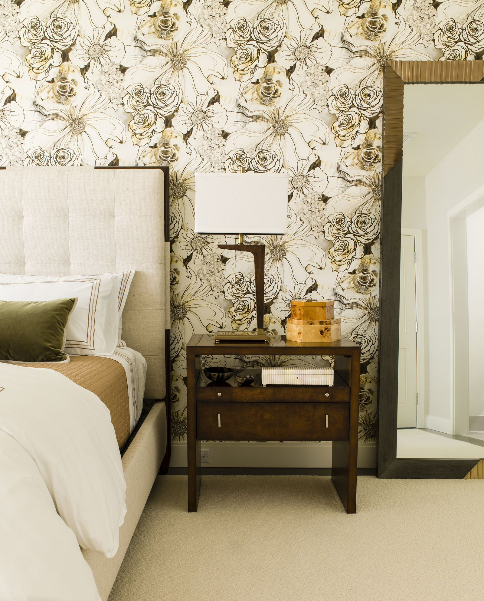 30 Bedrooms With Statement Wallpaper Wallpaper Design For