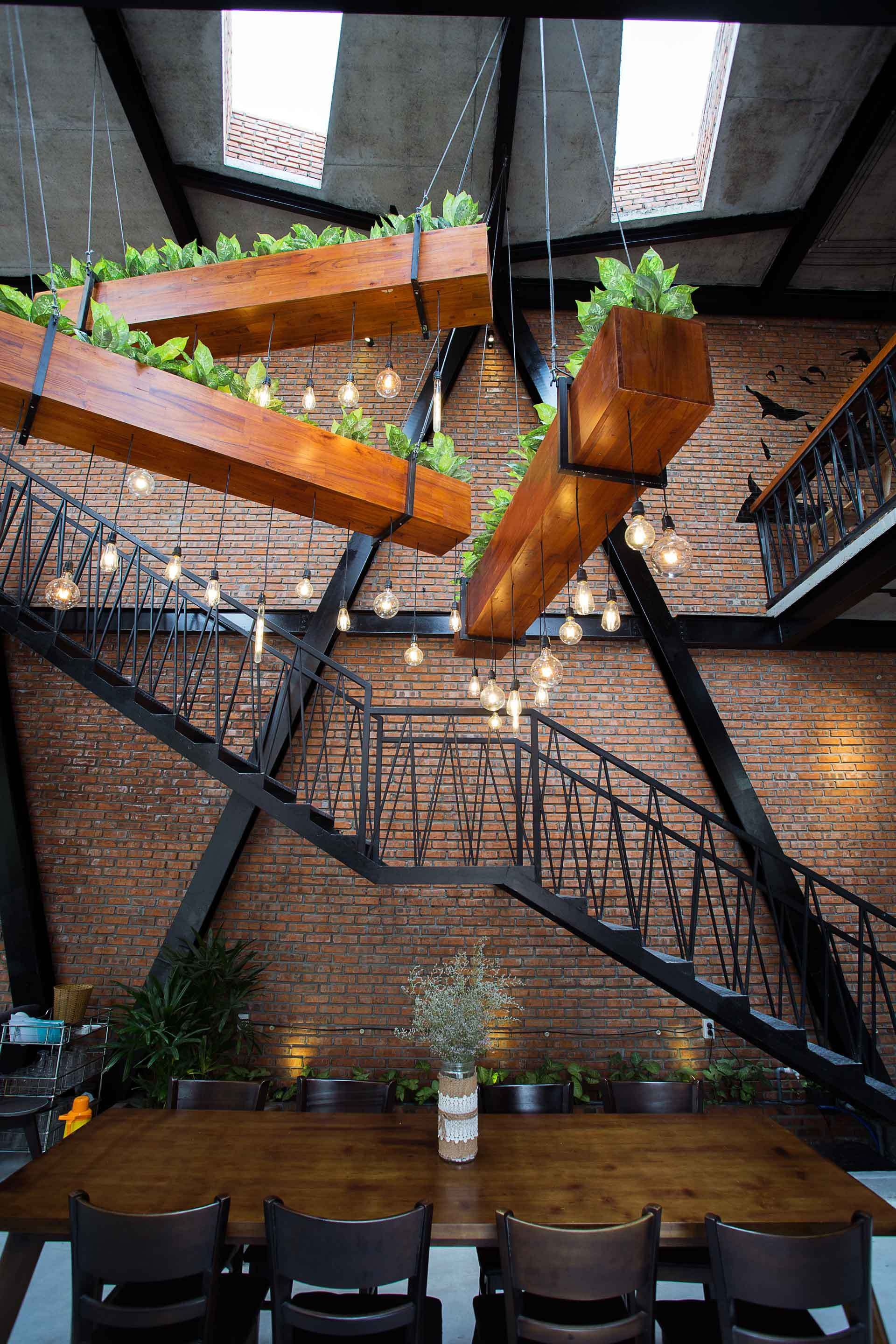 Photo of Gallery of MƯA Coffee Shop / 85 Design  – 4