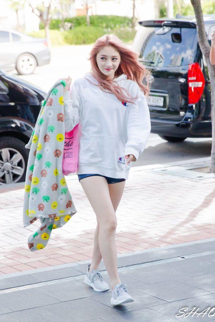Kpop Idol Girls Kpop Girls Kpop Idol Hair Kpop Pretty Girls Pretty Kpop Idols Kpop Wind Blown Hair Wind Blown Hair Girl Fashion