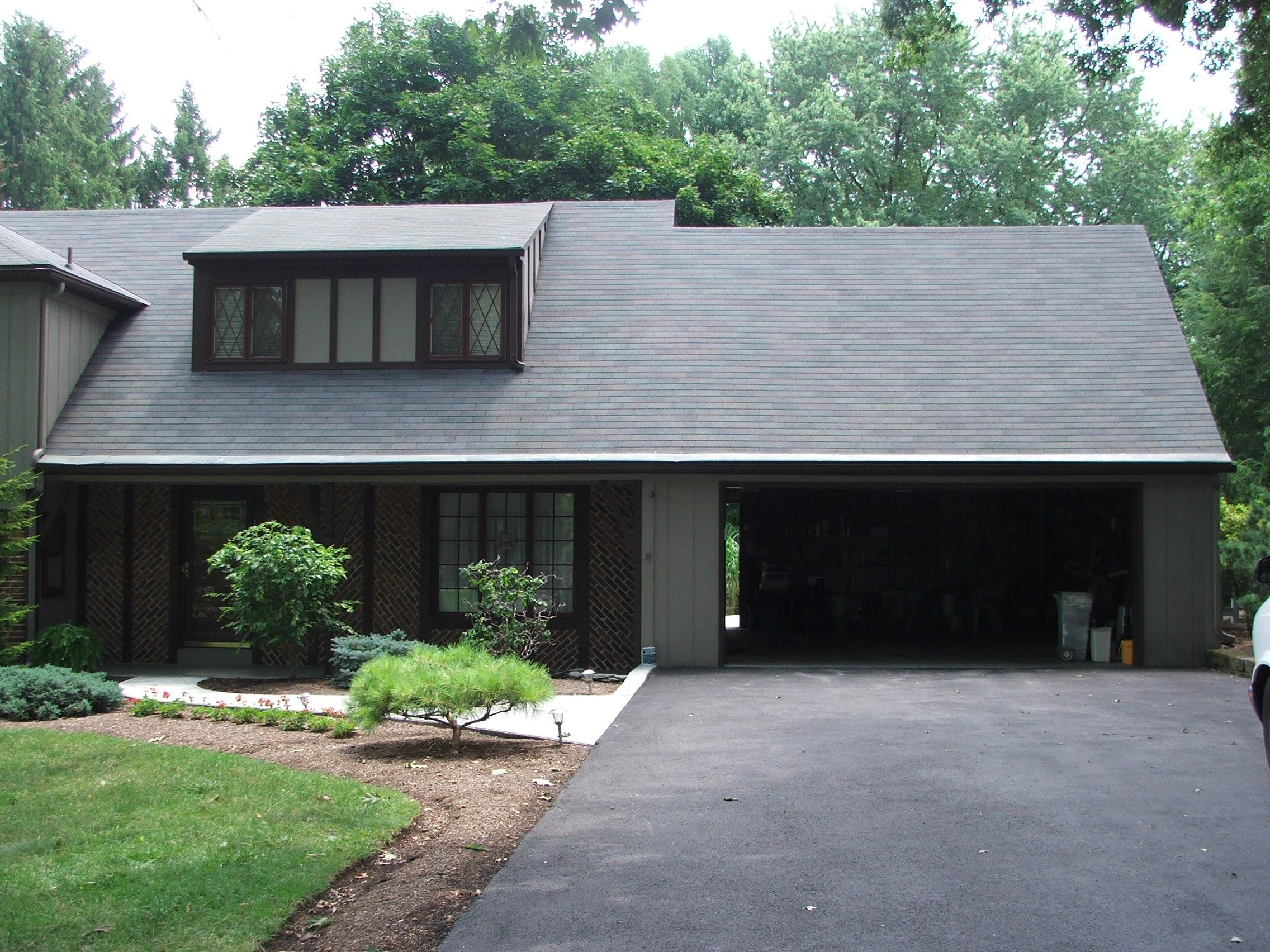 Painting House Black Google Search With Images Roof Shingles