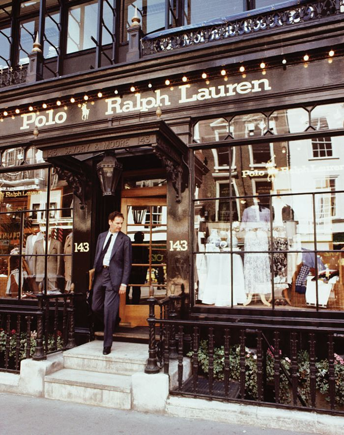 1981  RALPH LAUREN OPENS HIS FIRST INTERNATIONAL STORE IN LONDON Located in  a former pharmacy, the store is decorated with chandeliers, mahogany  fixtures, ... eddde58fc92