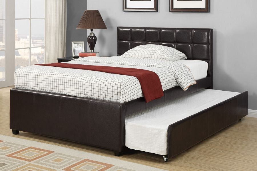 Quuen size twin bed with trundle and there are nightstand and white ...