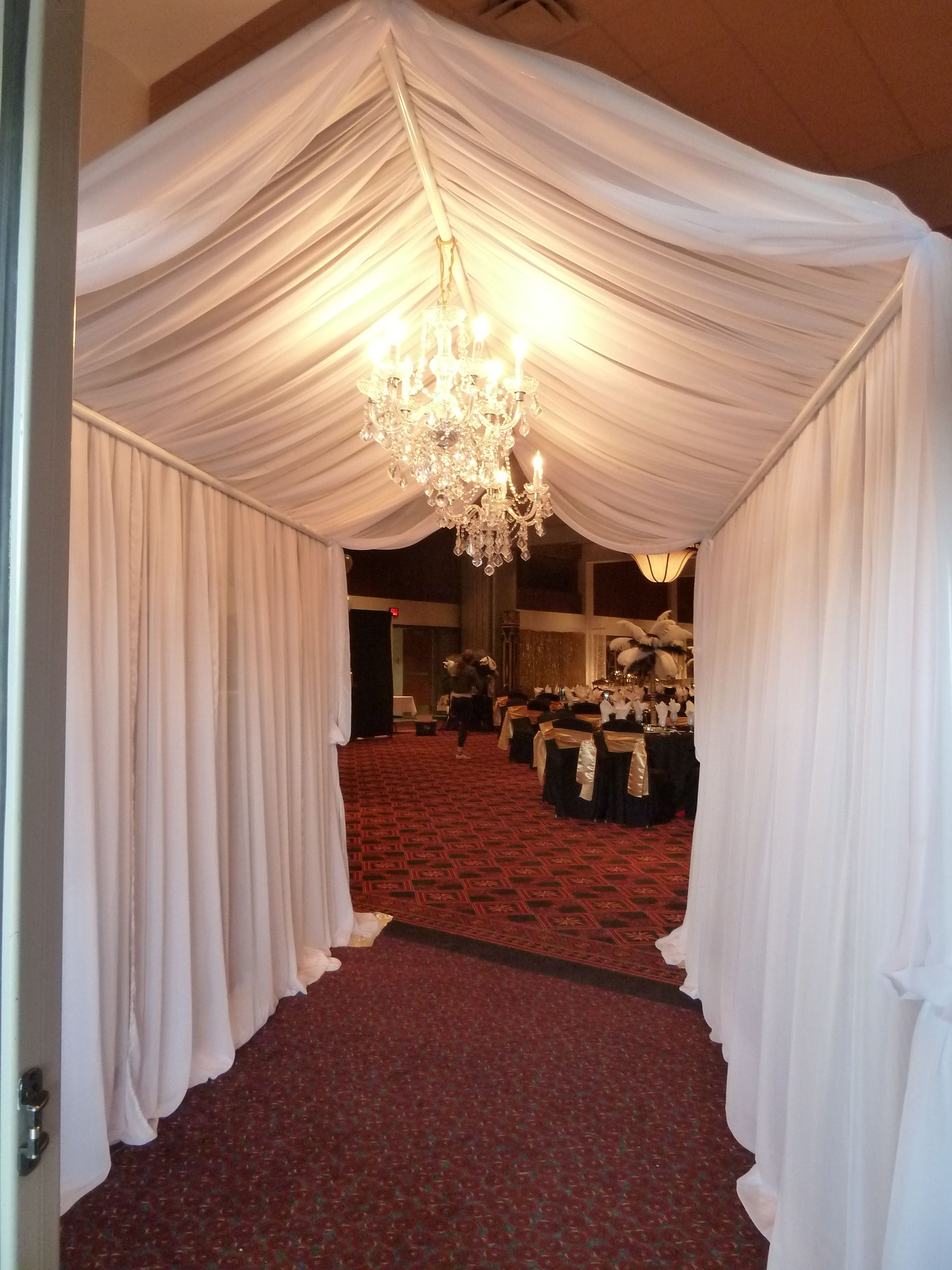 Elegant Fabric Tunnel Entrance With Accented With
