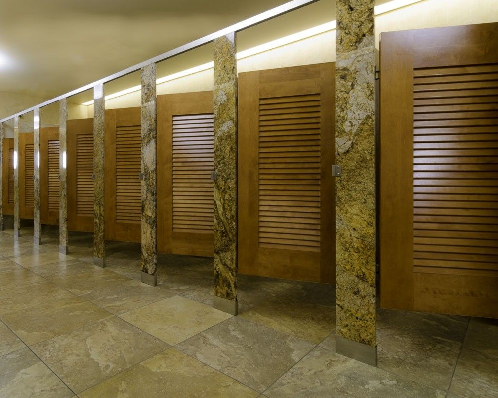 Ironwood Manufacturing Louvered Door Toilet Partition With Stone Pilasters  And Panels