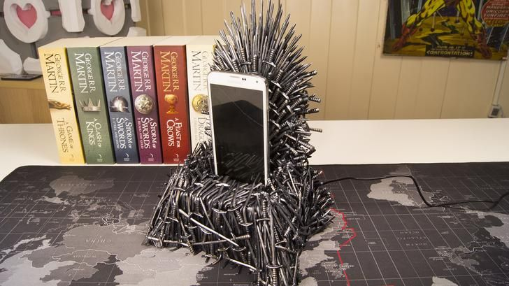 I Made An Iron Throne Phone Charger Crafts Misc Iron Throne