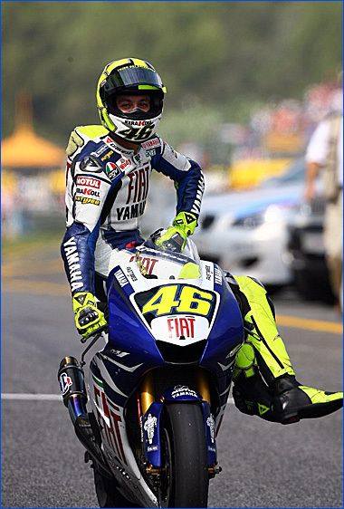 Valentino Rossi VR46 on Pinterest | Valentino Rossi, Racing and Isle Of Man