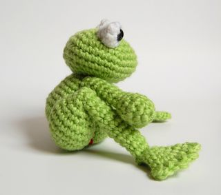 newspring crochet patterns crochet pattern for frog prince and daisy amigurumi crochet. Black Bedroom Furniture Sets. Home Design Ideas