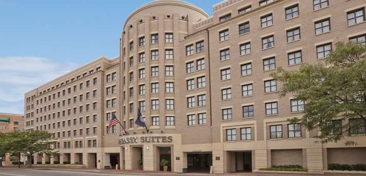 Embassy Suites Alexandria Old Town Hotel Va Exterior Shot Old Town Hotels Alexandria Hotel Embassy Suites