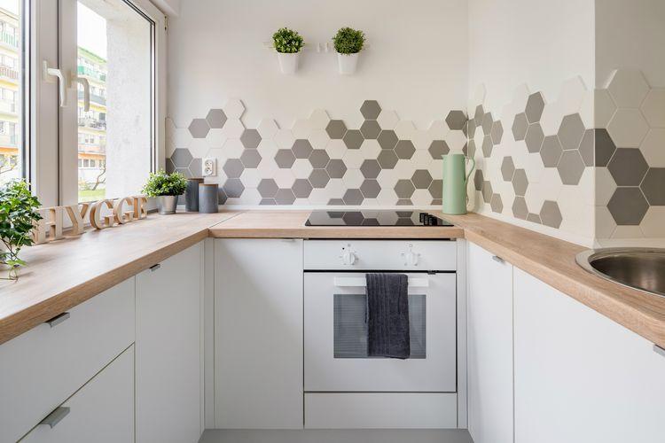 20 Unique Kitchen Backsplashes That Aren T Subway Tile Kitchen