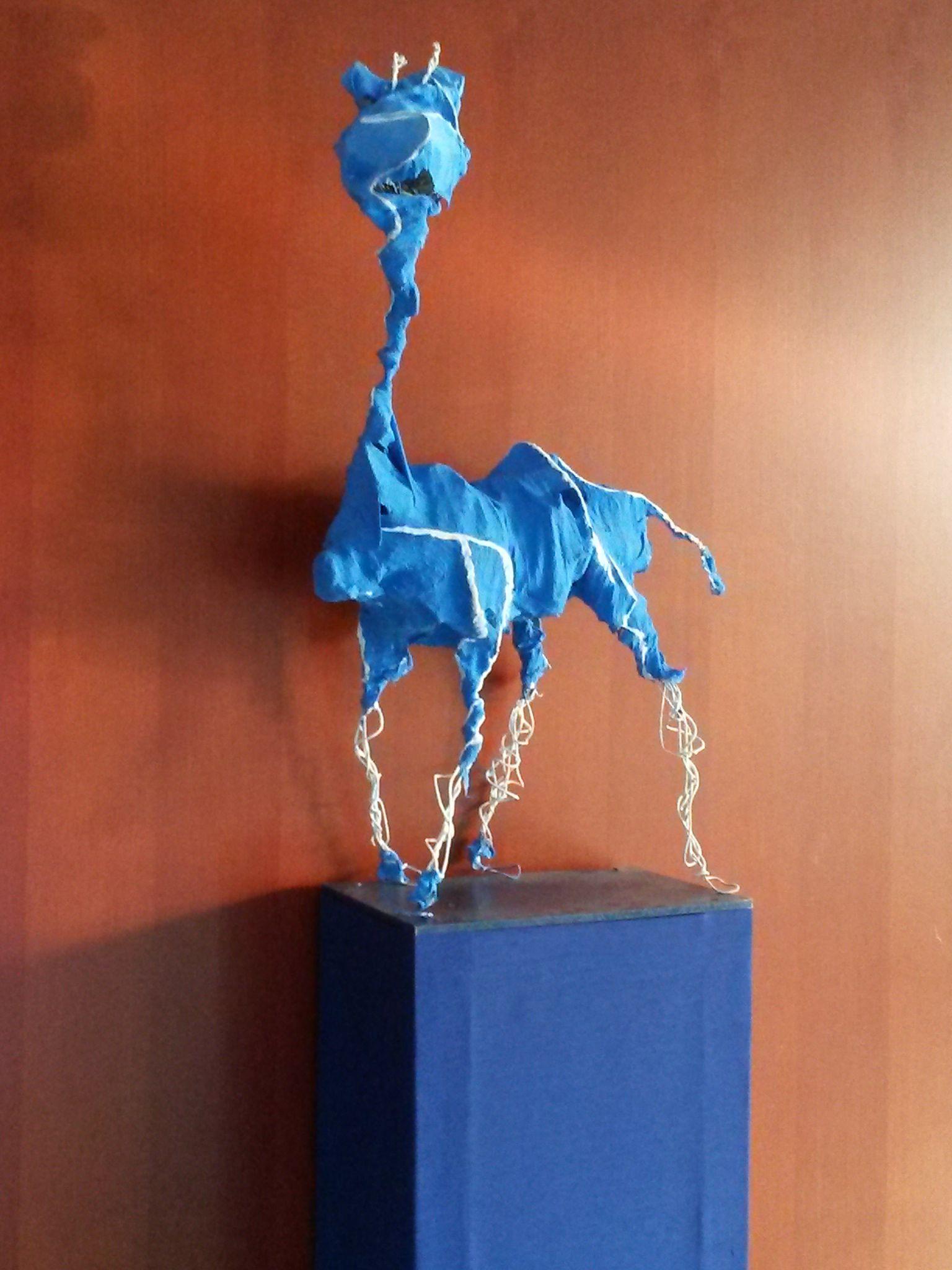 Draht-Gips-Tiere (Schülerarbeit) mit Acrylfarben bemalt ...