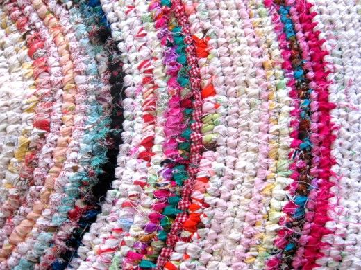 How To Make A Colourful Crochet Rag Rug With Recycled Fabrics Crochet Rag Rug Rag Rug Braided Rug Diy