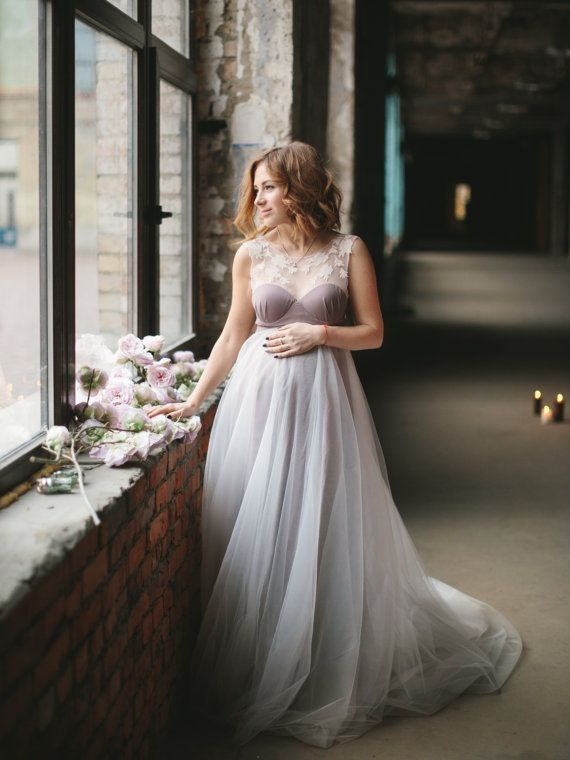 2ab09a0d969f9 19 of the Most Gorgeous Maternity Wedding Dress for Pregnant Brides ...