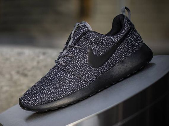 Nike Roshe Run Grey Black