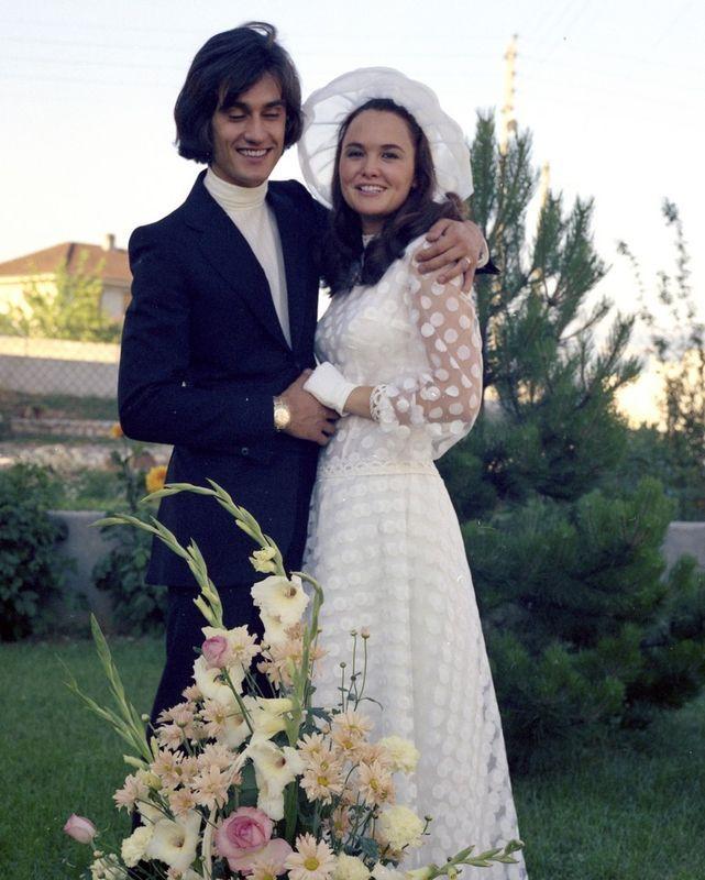 Pingl par lrt berger sur 38sm vestuario pinterest for Robes de mariage en consignation seattle