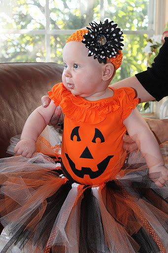 4047bf0f017a Costume ideas...omg!!! i love it!! think this will be Laylas 1st halloween  costume!